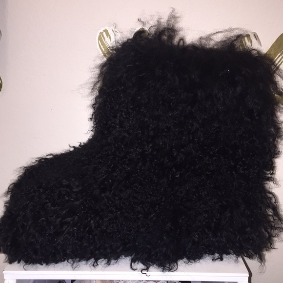e9330632db2 UGG Women's Fluff Momma Mongolian Black Boot